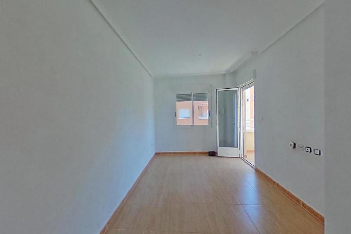Piso en venta en La Manga del Mar Menor, San Javier, Murcia, Urbanización Luz Bahía, 83.500 €, 2 habitaciones, 2 baños, 70 m2