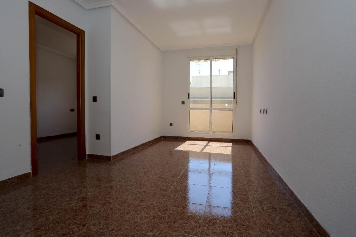 Piso en venta en Baños de Europa, Torrevieja, Alicante, Calle Villa de Madrid, 66.000 €, 2 habitaciones, 1 baño, 59 m2
