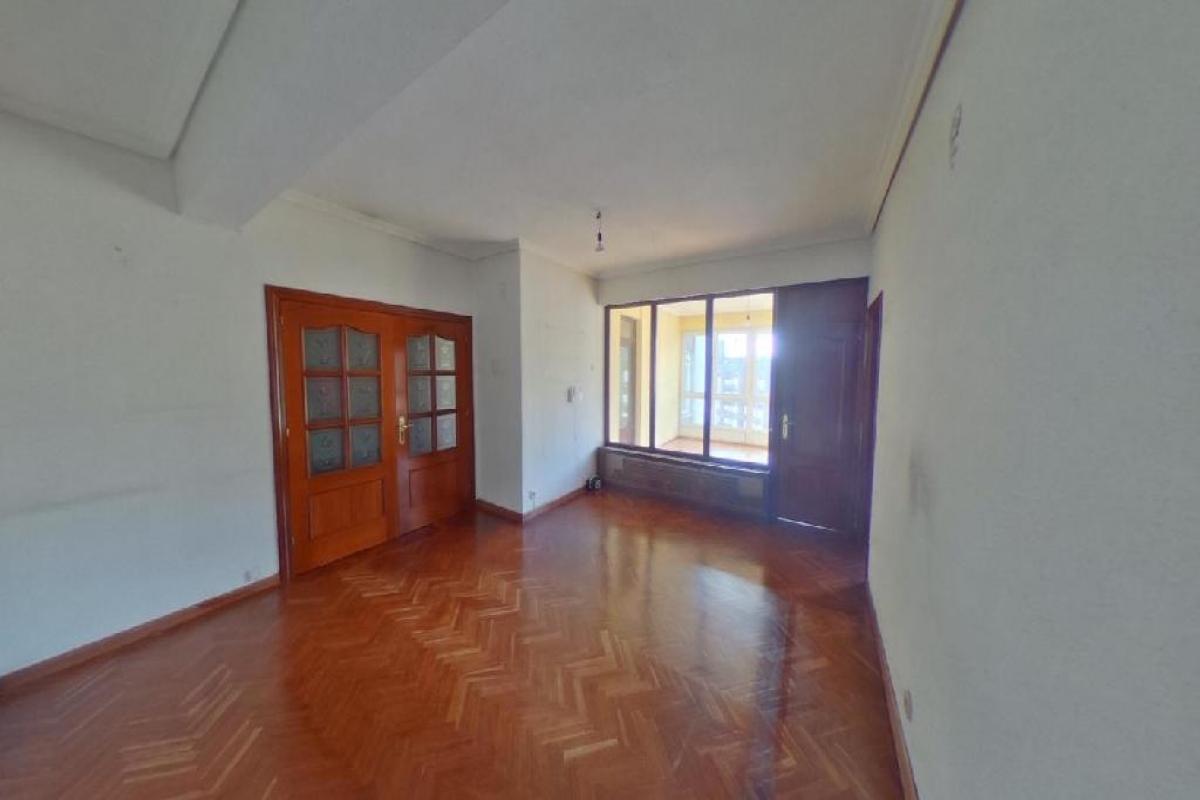Piso en venta en La Corredoria Y Ventanielles, Oviedo, Asturias, Calle General Primo de Rivera, 205.000 €, 3 habitaciones, 1 baño, 129 m2