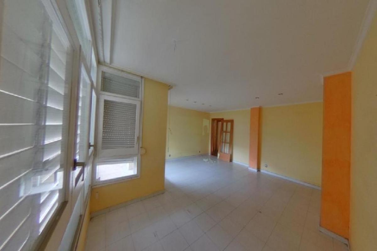 Piso en venta en Eixample, Girona, Girona, Calle Rossello, 161.000 €, 4 habitaciones, 2 baños, 128 m2