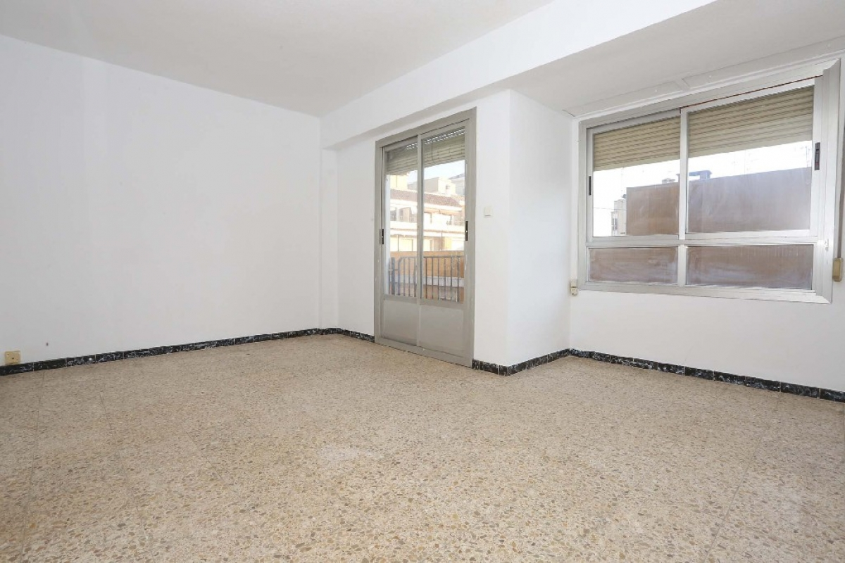 Piso en venta en Alquerieta, Alzira, Valencia, Calle Benifairo, 36.500 €, 3 habitaciones, 1 baño, 90 m2