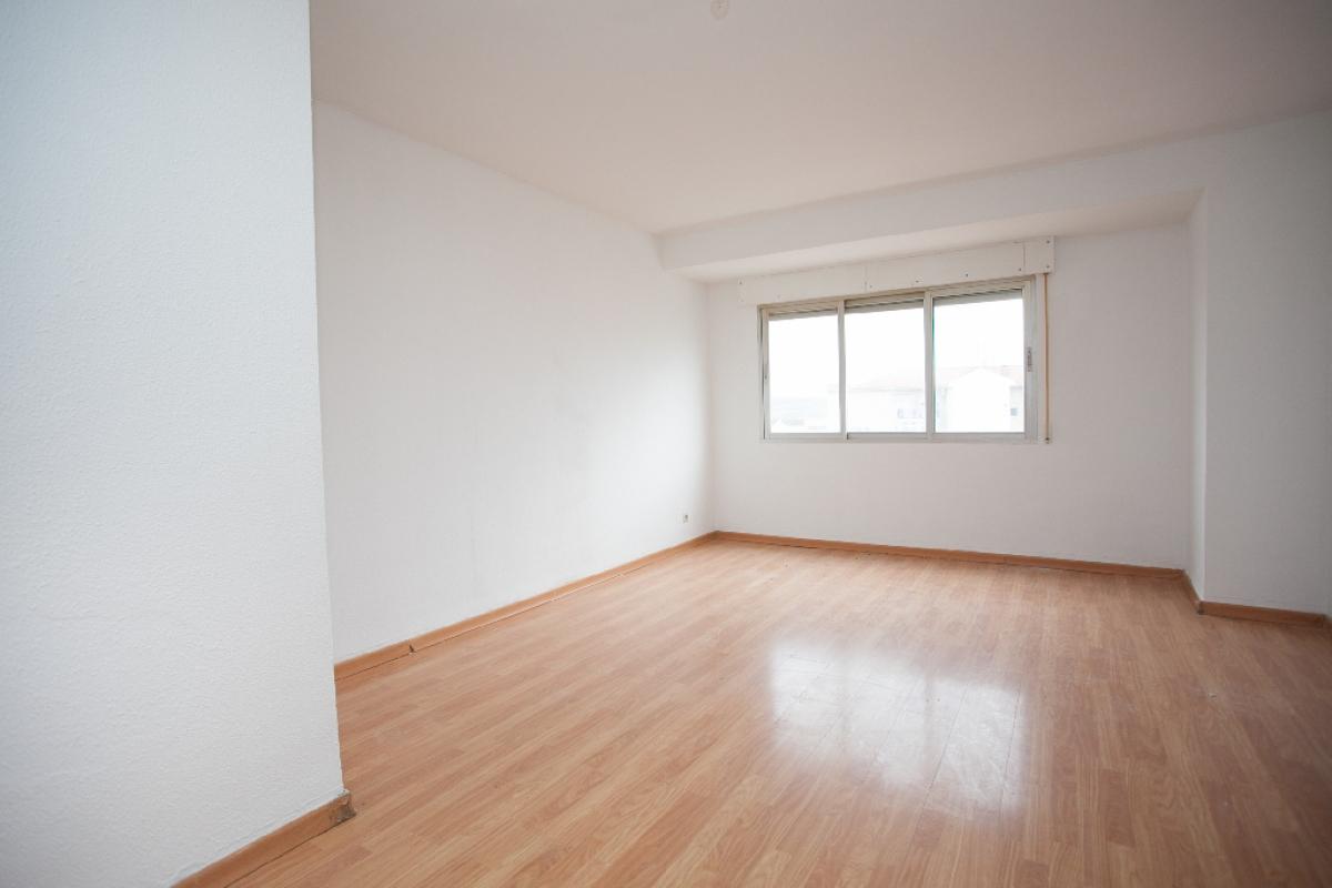 Piso en venta en Las Cabezas, Morata de Tajuña, Madrid, Calle Alta Azotea, 120.000 €, 3 habitaciones