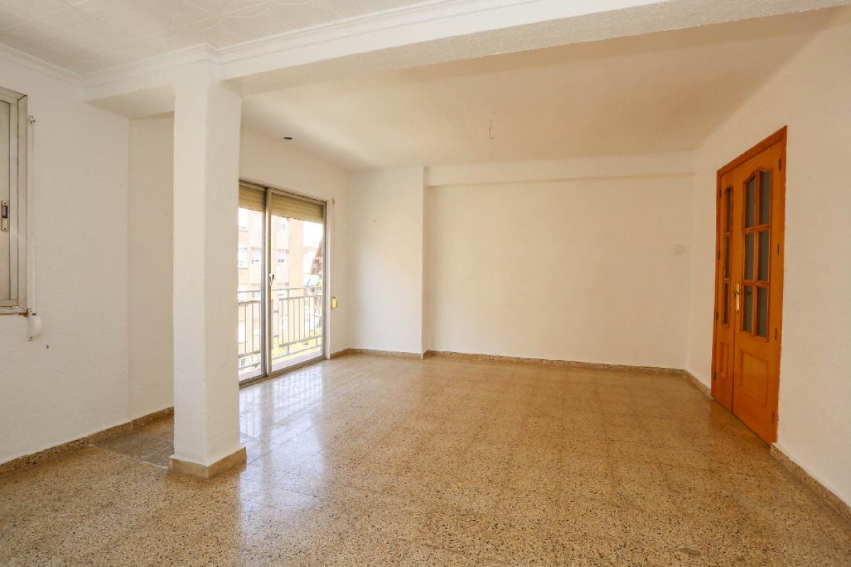 Piso en venta en Monte Vedat, Torrent, Valencia, Calle Jose Iturbi, 78.500 €, 3 habitaciones, 1 baño, 91 m2