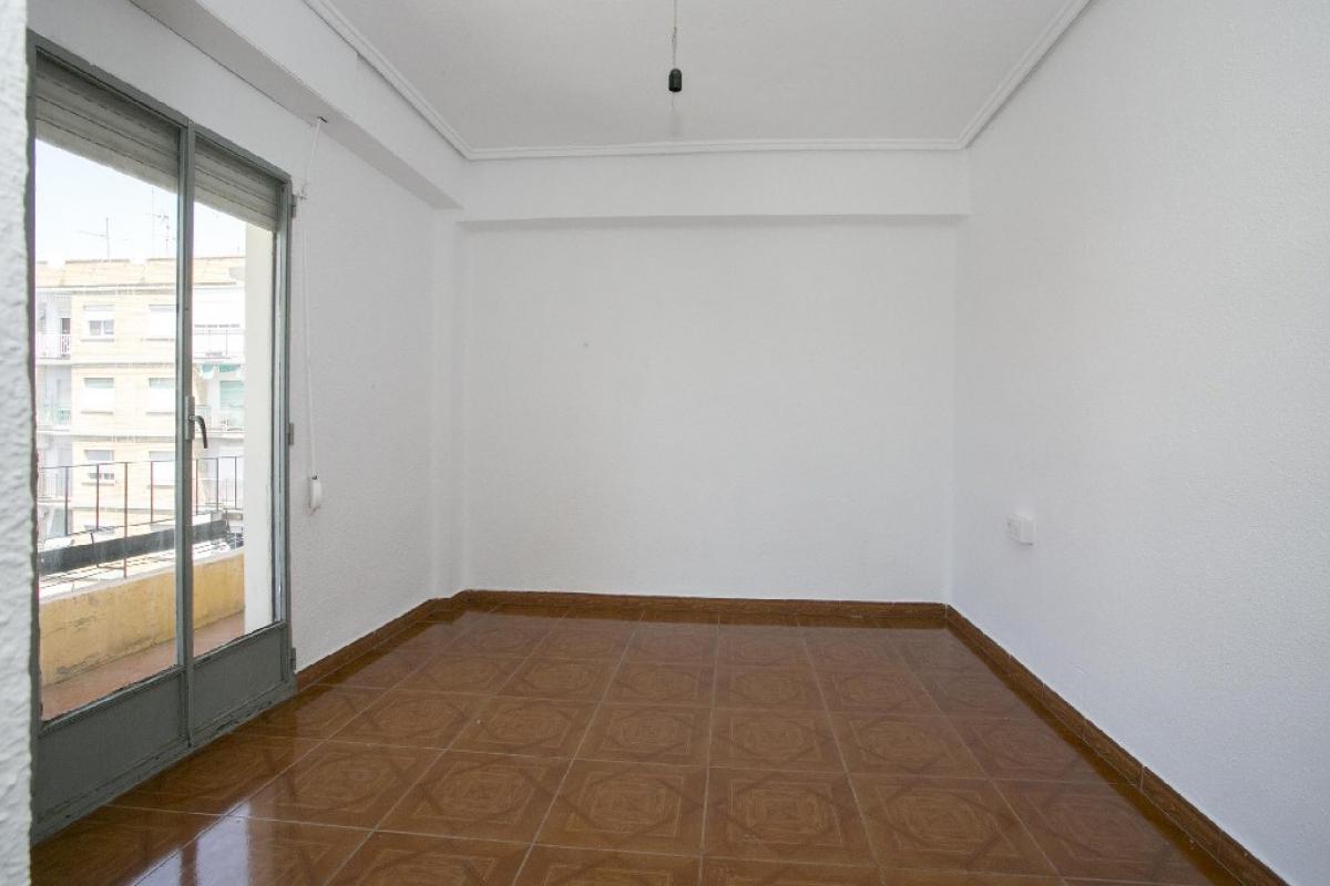Piso en venta en Alaquàs, Valencia, Calle Cuenca, 54.000 €, 2 habitaciones, 1 baño, 71 m2