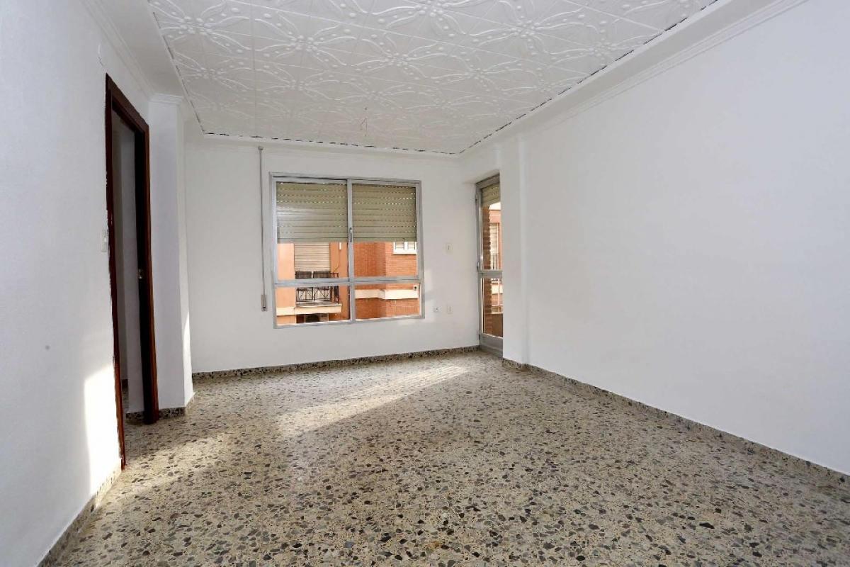 Piso en venta en Ausias March, Carlet, Valencia, Calle Ravalet-pintor Ginesta, 55.000 €, 4 habitaciones, 1 baño, 90 m2