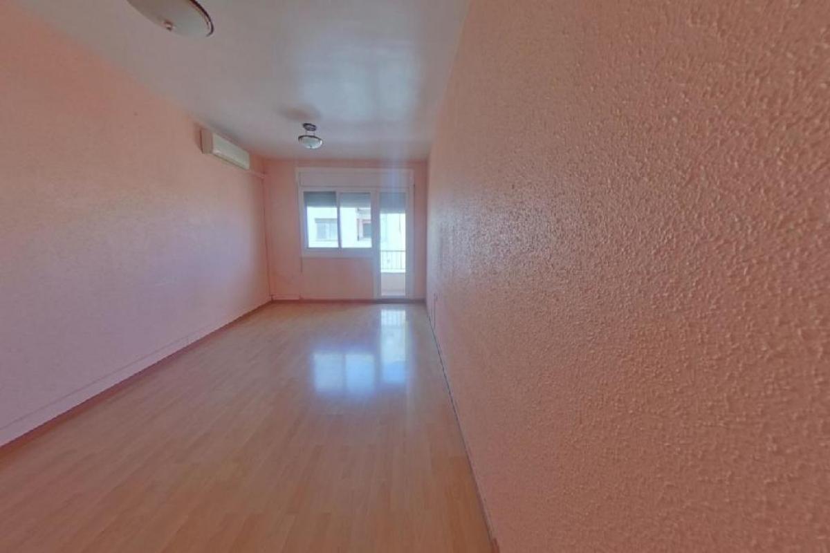 Piso en venta en Mas de Miralles, Amposta, Tarragona, Calle Castelar, 58.500 €, 3 habitaciones, 1 baño, 97 m2