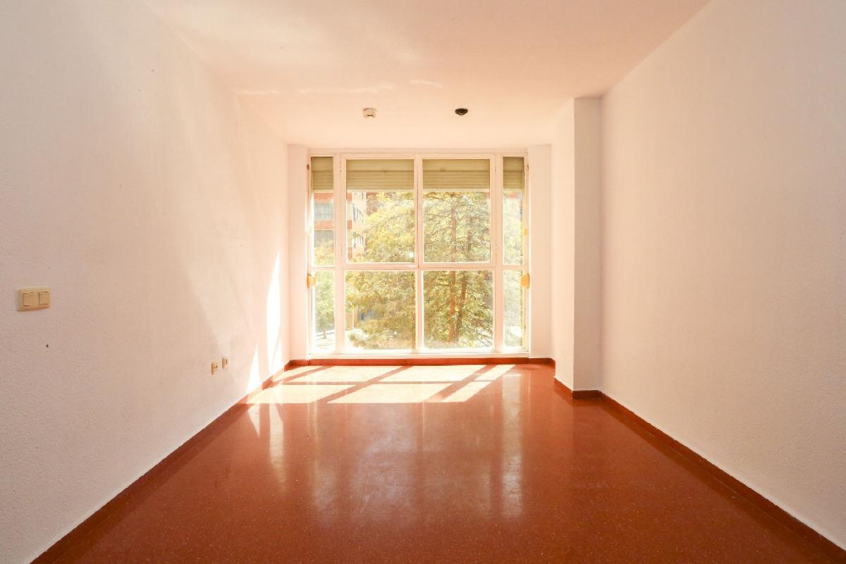 Piso en venta en L`olivereta, Valencia, Valencia, Calle Perez Galdos, 135.000 €, 2 habitaciones, 1 baño, 69 m2