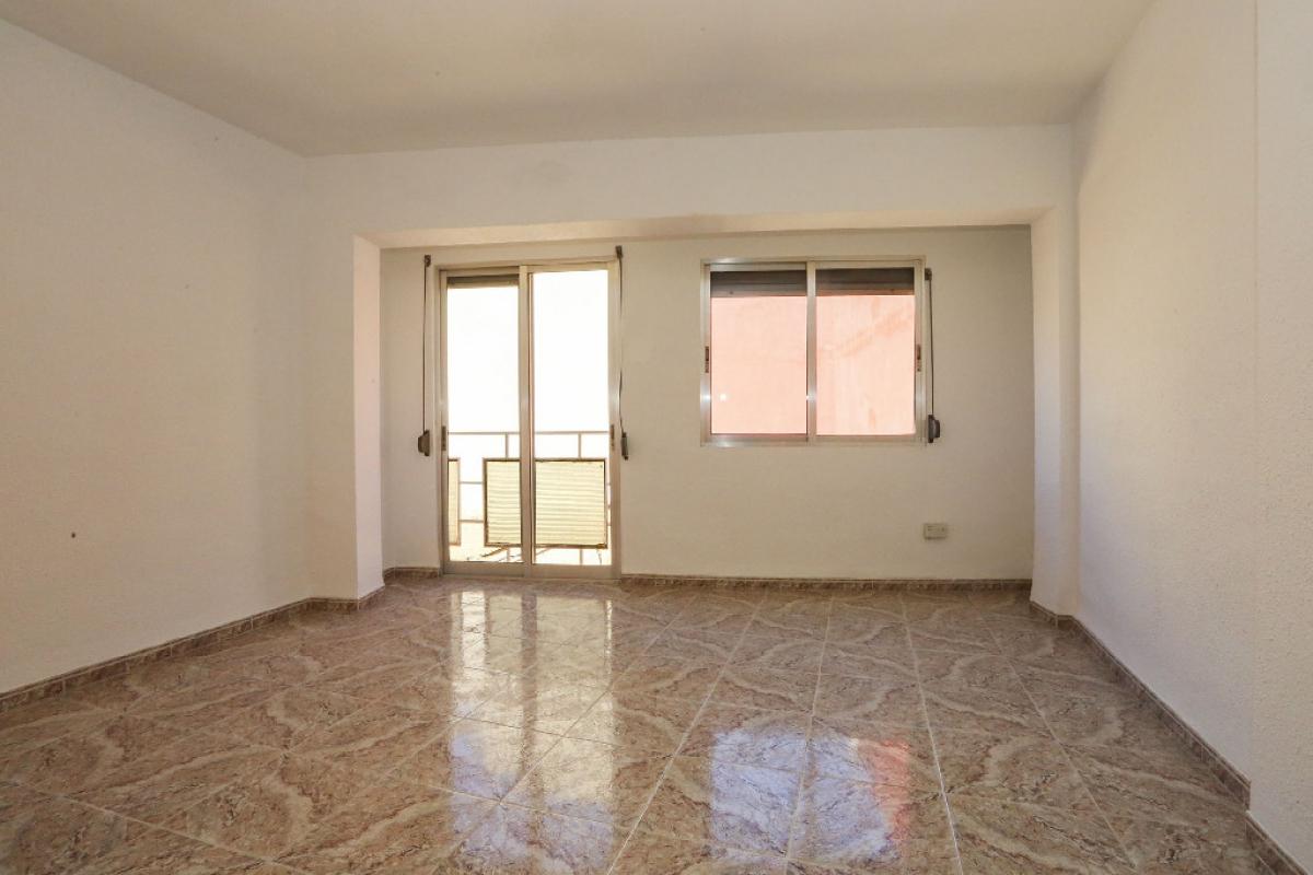 Piso en venta en Monte Vedat, Torrent, Valencia, Calle Tirant Lo Blanc, 60.000 €, 3 habitaciones, 1 baño, 82 m2