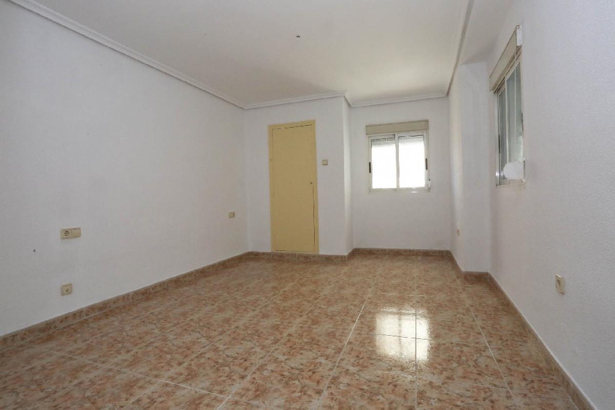 Piso en venta en Xirivella, Valencia, Calle Parreta, 55.000 €, 2 habitaciones, 1 baño, 61 m2