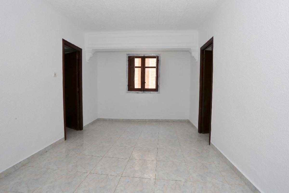 Piso en venta en Rascanya, Valencia, Valencia, Calle Arquitecto Rodriguez, 79.500 €, 3 habitaciones, 1 baño, 71 m2