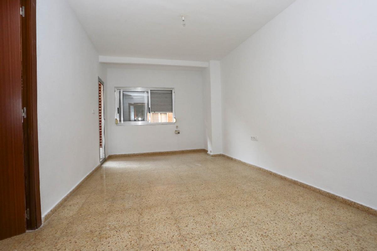 Piso en venta en Silla, Valencia, Calle Diputacion, 58.500 €, 3 habitaciones, 1 baño, 93 m2