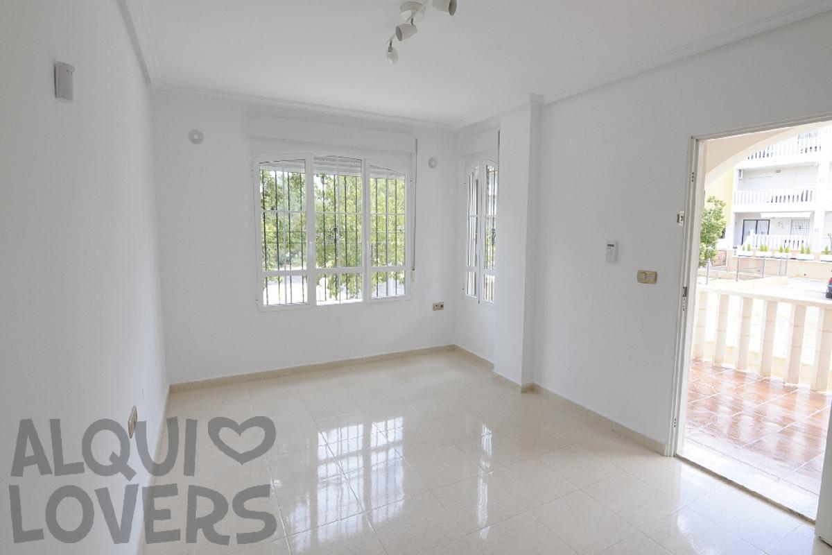 Casa en venta en Orihuela Costa, Orihuela, Alicante, Calle Pau Rs Playa Golf, 144.000 €, 3 habitaciones, 2 baños, 87 m2