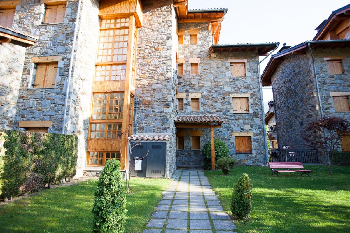Piso en venta en Rifred, Llanars, Girona, Calle Roser, 208.000 €, 2 habitaciones, 2 baños, 137 m2
