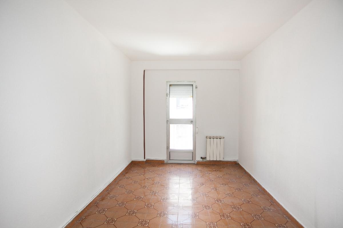 Piso en venta en Delicias, Zaragoza, Zaragoza, Calle Arias, 85.500 €, 3 habitaciones, 1 baño, 66 m2