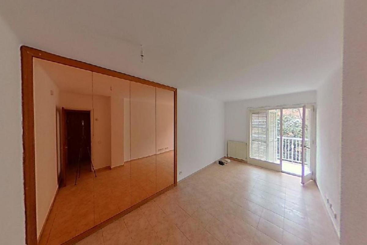 Piso en venta en Salt, Girona, Calle Marques de Camps, 90.300 €, 3 habitaciones, 1 baño, 108 m2
