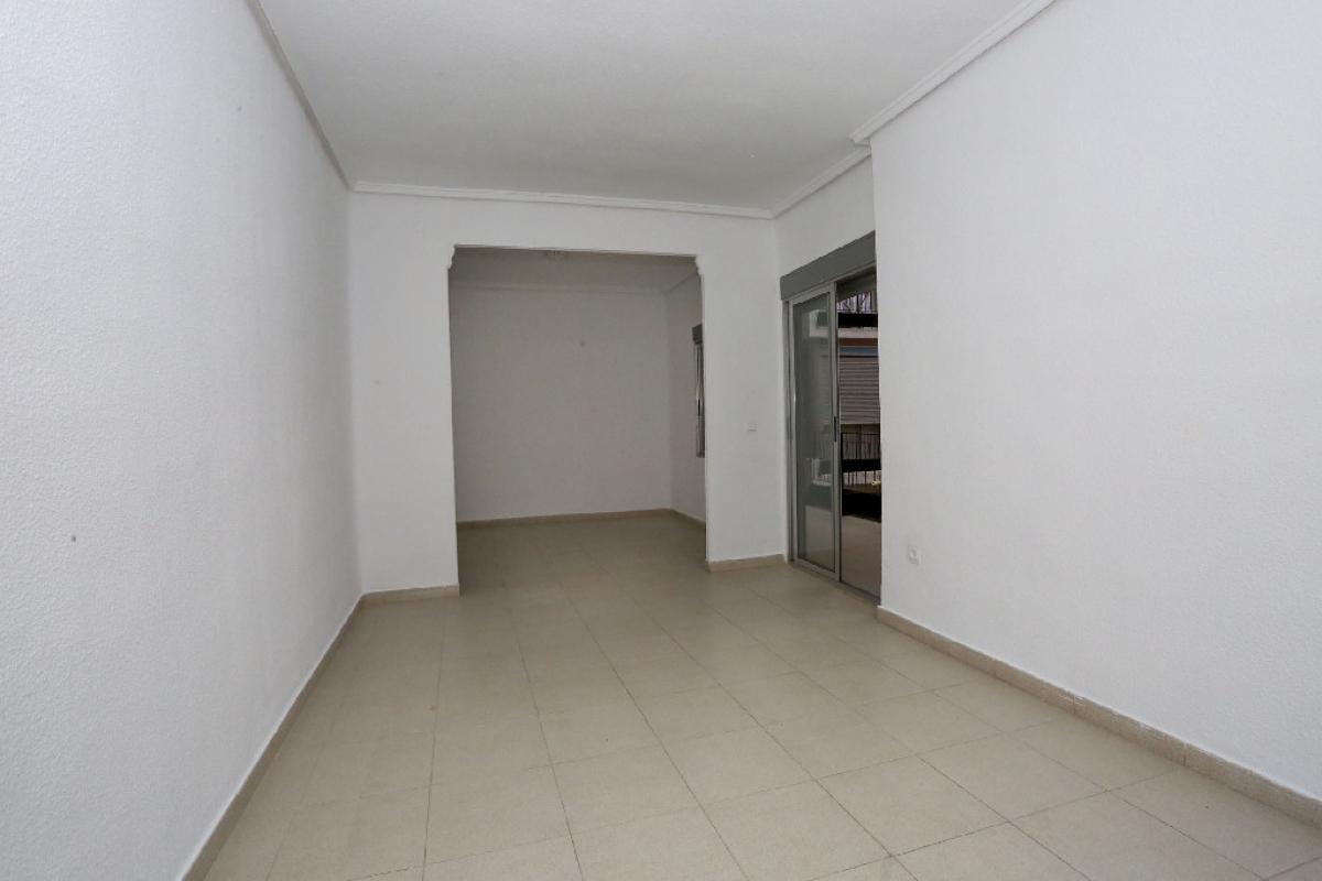 Piso en venta en Camins Al Grau, Valencia, Valencia, Calle Mirambell, 129.000 €, 3 habitaciones, 1 baño, 91 m2