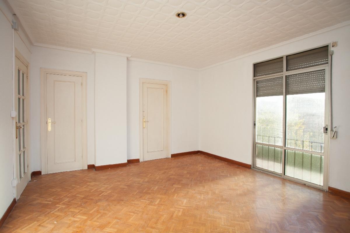 Piso en venta en Las Fuentes, Zaragoza, Zaragoza, Calle Florentino Ballesteros, 111.000 €, 4 habitaciones, 1 baño, 102 m2
