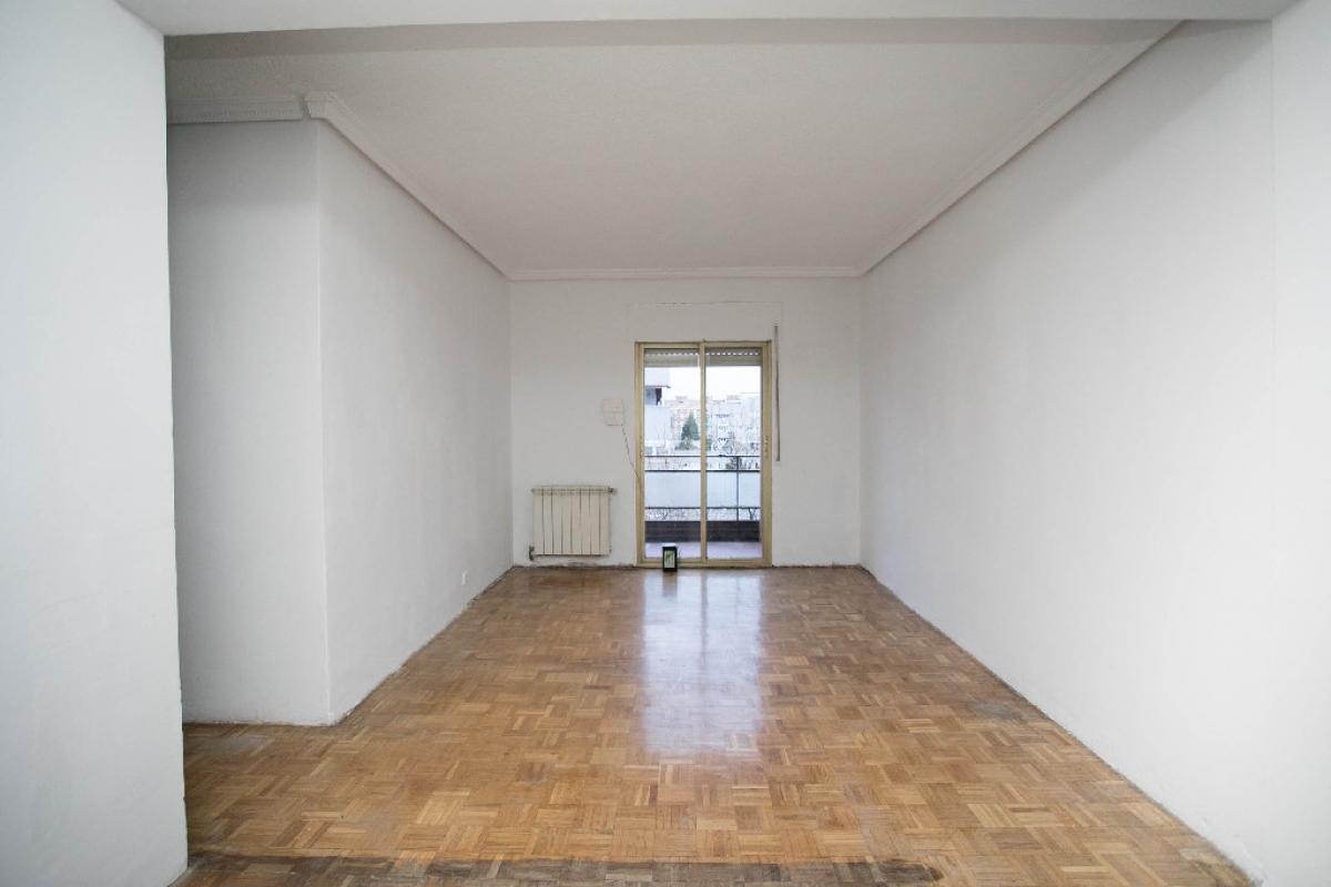 Piso en venta en El Castillo, Torrejón de Ardoz, Madrid, Calle Copenhague, 107.000 €, 3 habitaciones, 1 baño, 70 m2