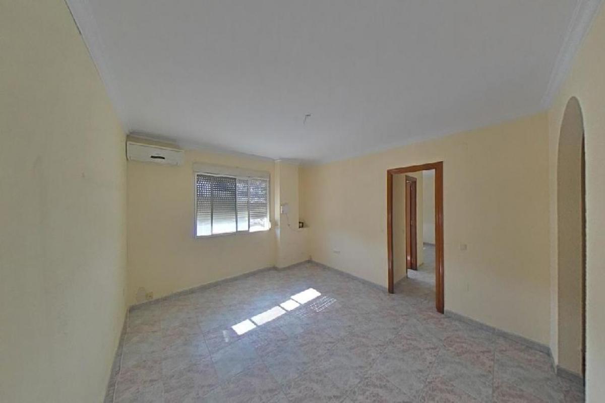 Piso en venta en Torrox-park, Torrox, Málaga, Calle Ntra Sra de la Nieves, 95.000 €, 3 habitaciones, 2 baños, 94 m2