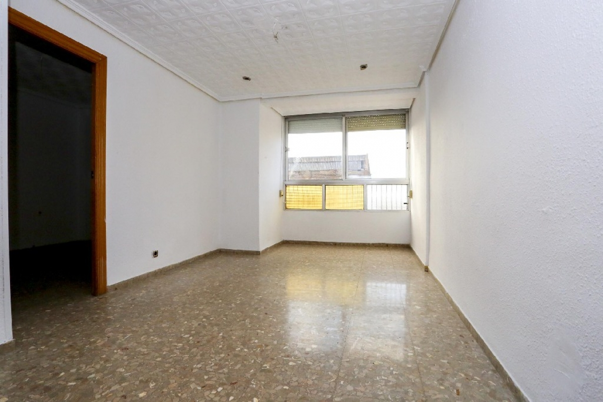 Piso en venta en Jesús, Valencia, Valencia, Calle Almudaina, 106.000 €, 3 habitaciones, 1 baño, 68 m2