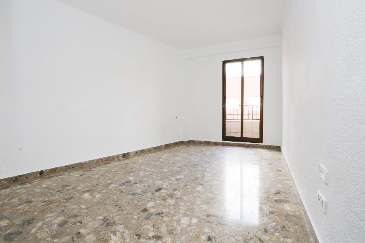 Piso en venta en Rascanya, Valencia, Valencia, Calle San Juan de la Peña, 94.500 €, 3 habitaciones, 1 baño, 81 m2