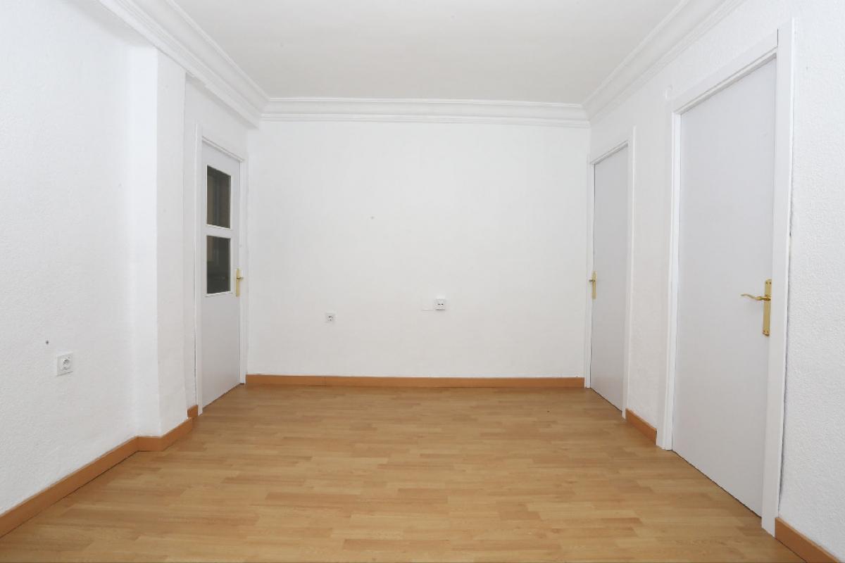 Piso en venta en Rascanya, Valencia, Valencia, Calle Doctor Rodriguez de la Fuente, 70.500 €, 3 habitaciones, 1 baño, 64 m2