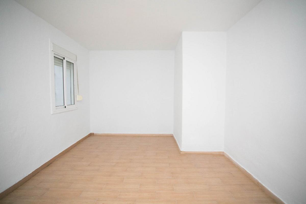 Piso en venta en Oliver, Zaragoza, Zaragoza, Calle Antonio de Leyva, 56.500 €, 2 habitaciones, 1 baño, 51 m2