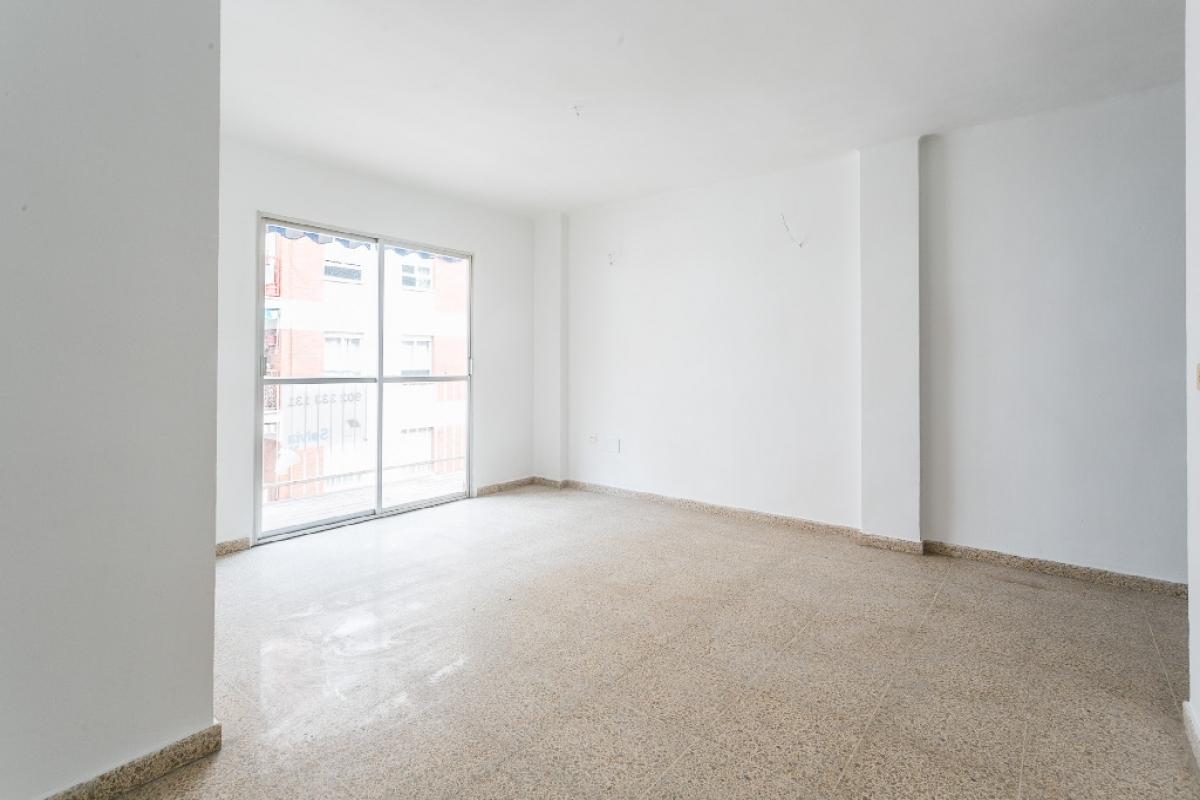 Piso en venta en Palma de Mallorca, Baleares, Calle Moscari, 166.500 €, 3 habitaciones, 1 baño, 87 m2