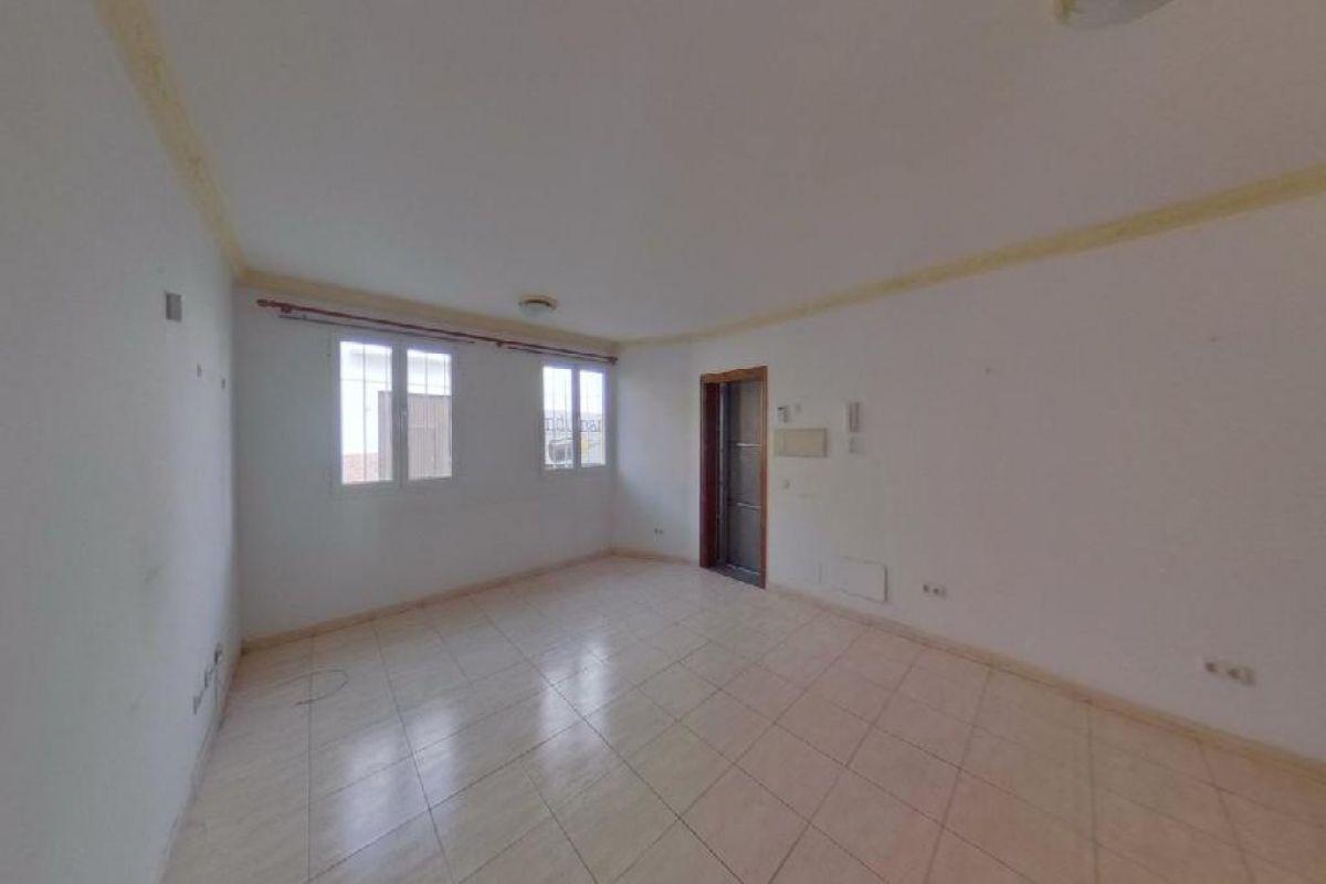 Piso en venta en Arrecife, Las Palmas, Calle Regulo, 117.000 €, 2 habitaciones, 1 baño, 71 m2