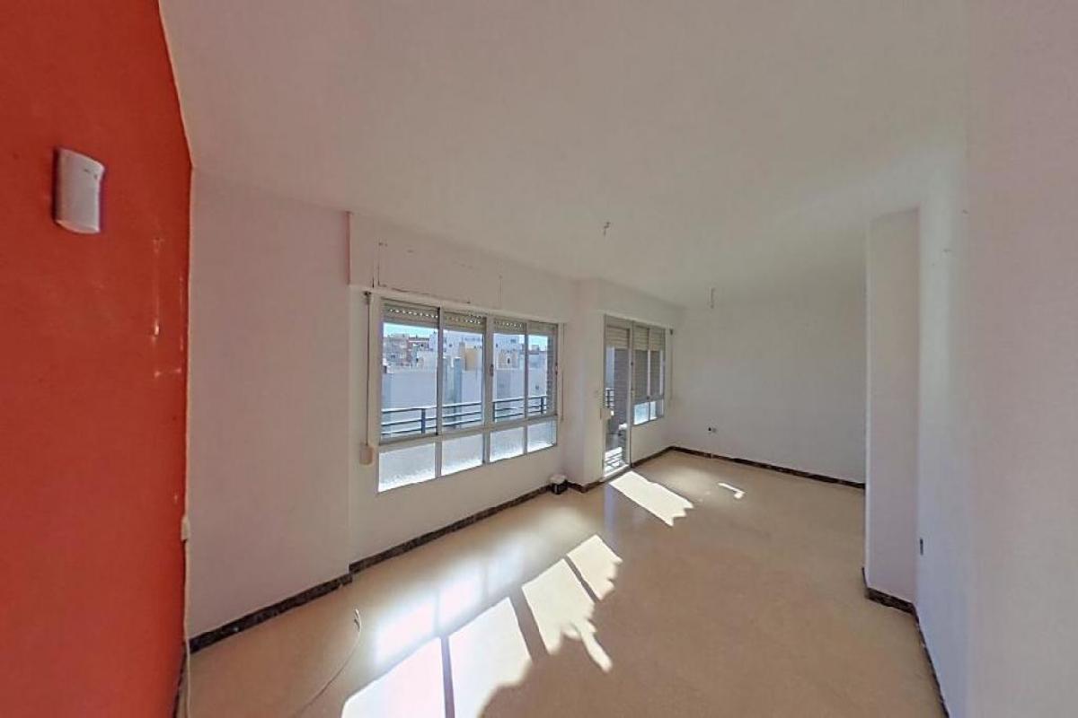 Piso en venta en San Vicente del Raspeig/sant Vicent del Raspeig, Alicante, Calle Trafalgar, 88.500 €, 3 habitaciones, 1 baño, 104 m2