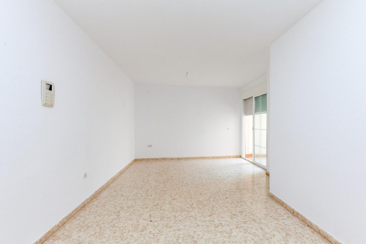 Piso en venta en Roquetas de Mar, Almería, Calle Rafael Escuredo, 64.900 €, 1 habitación, 1 baño, 61 m2
