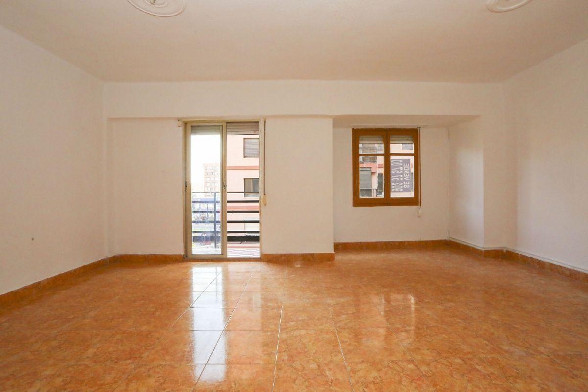 Piso en venta en Valencia, Valencia, Calle Plata, 144.000 €, 2 habitaciones, 1 baño, 91 m2
