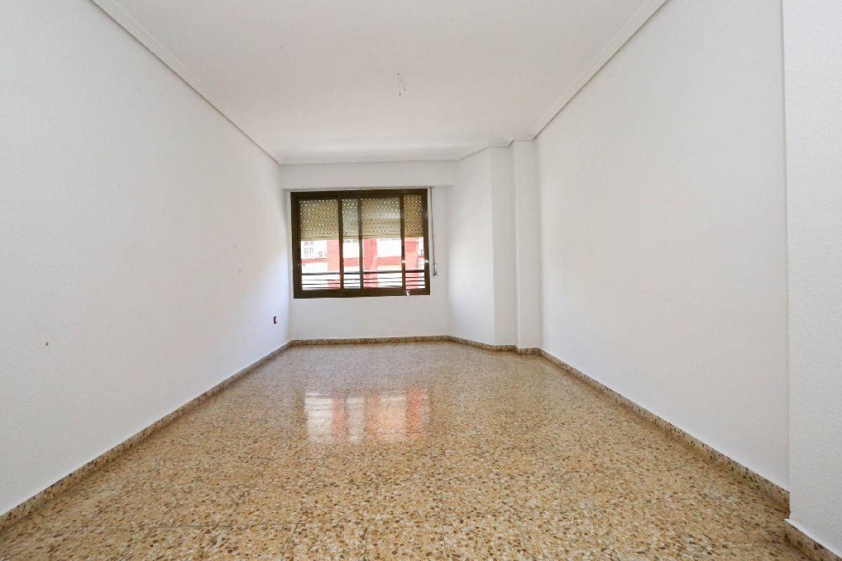 Piso en venta en Valencia, Valencia, Calle Ecuador, 131.500 €, 3 habitaciones, 1 baño, 101 m2