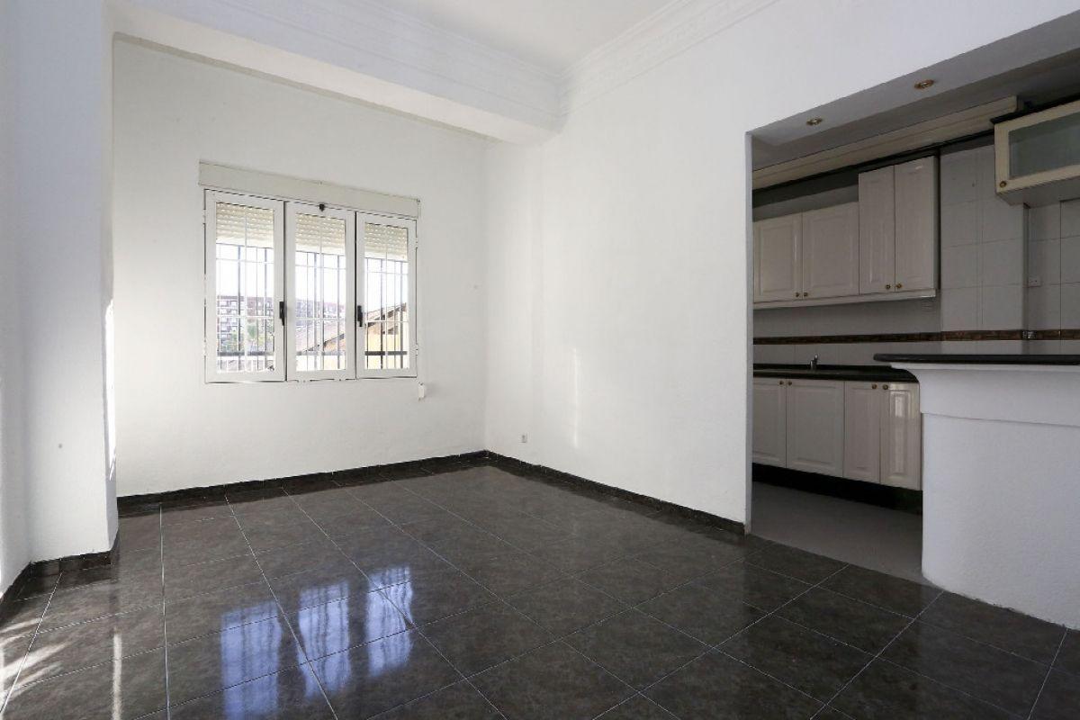 Piso en venta en Valencia, Valencia, Calle Planas, 124.500 €, 3 habitaciones, 1 baño, 83 m2