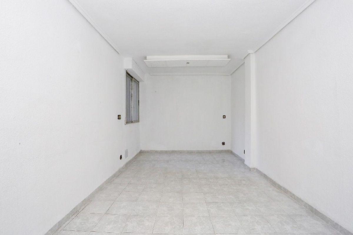 Piso en venta en Valencia, Valencia, Calle Islas Canarias, 110.500 €, 3 habitaciones, 1 baño, 79 m2