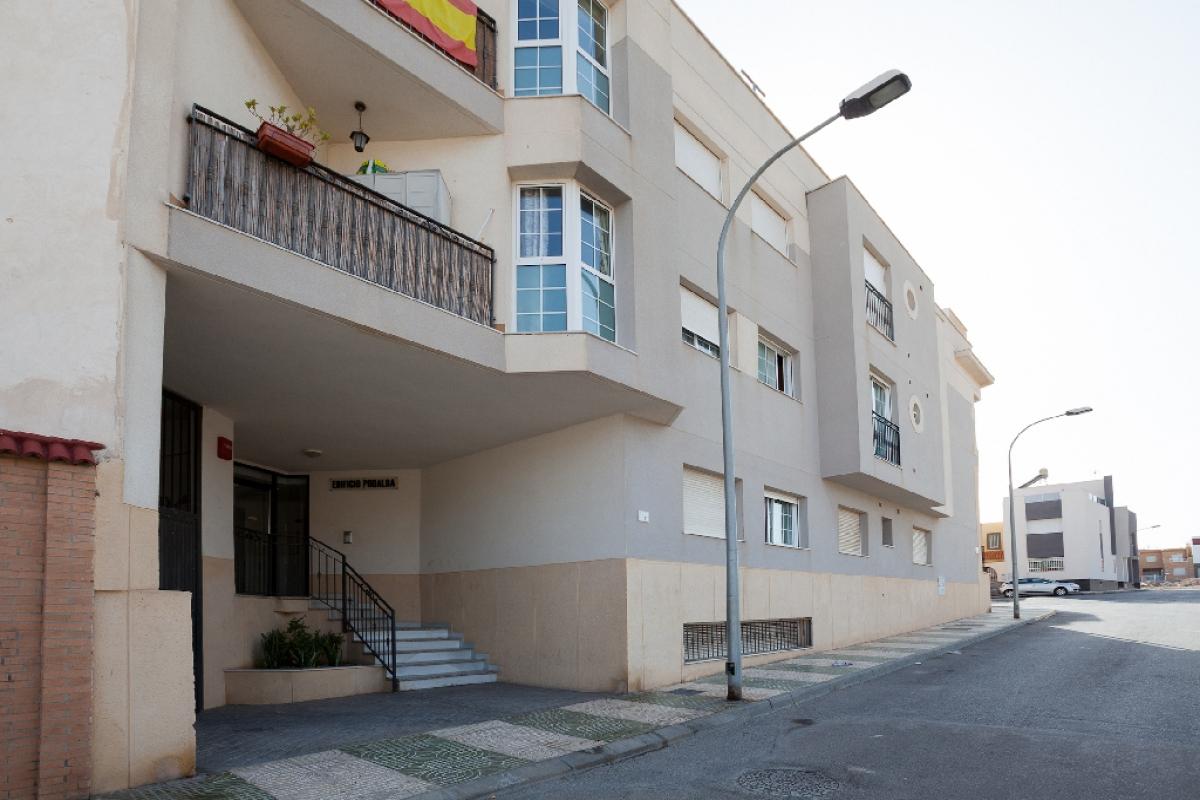 Piso en venta en Vícar, Almería, Calle San Mateo, 73.000 €, 3 habitaciones, 2 baños, 94 m2