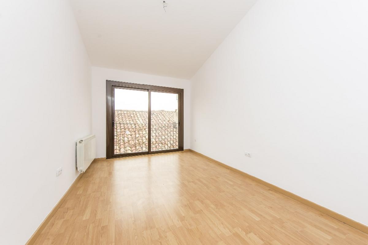Piso en venta en Berga, Barcelona, Calle Alpens, 43.000 €, 3 habitaciones, 1 baño, 71 m2