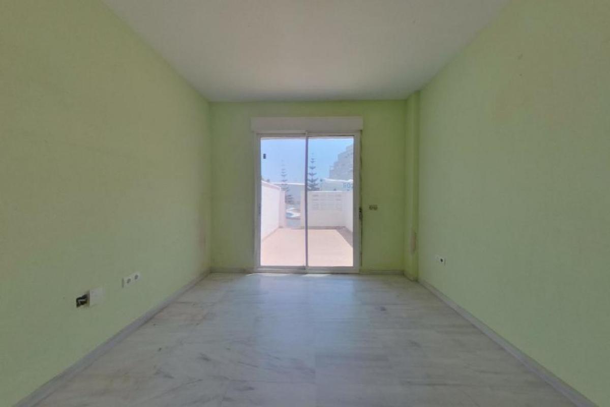 Piso en venta en Roquetas de Mar, Almería, Calle Rosita Ferrer, 131.500 €, 2 habitaciones, 2 baños, 110 m2
