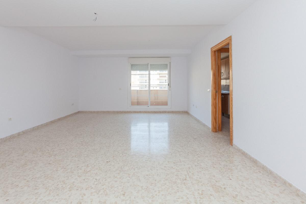 Piso en venta en El Parador de la Hortichuelas, Roquetas de Mar, Almería, Calle Mirasierra, 88.800 €, 2 habitaciones, 1 baño, 84 m2