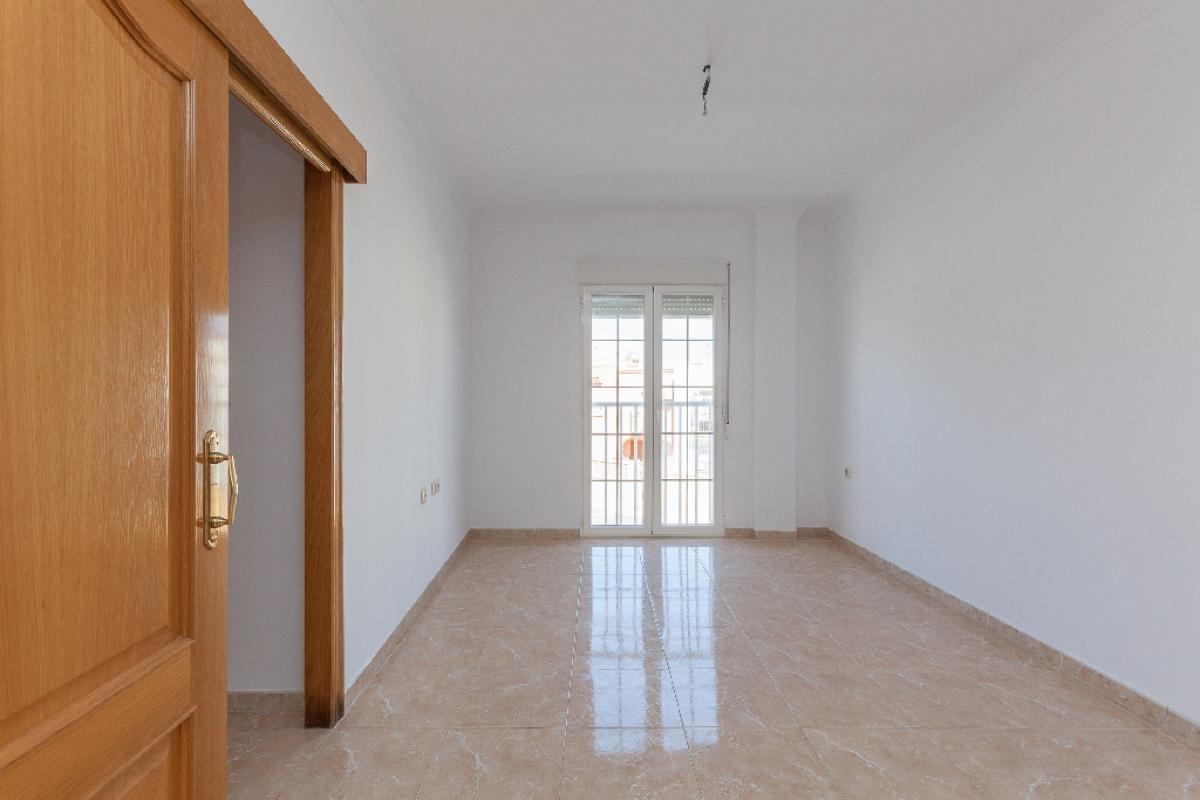 Piso en venta en Los Depósitos, Roquetas de Mar, Almería, Calle Peru, 90.000 €, 2 habitaciones, 1 baño, 138 m2