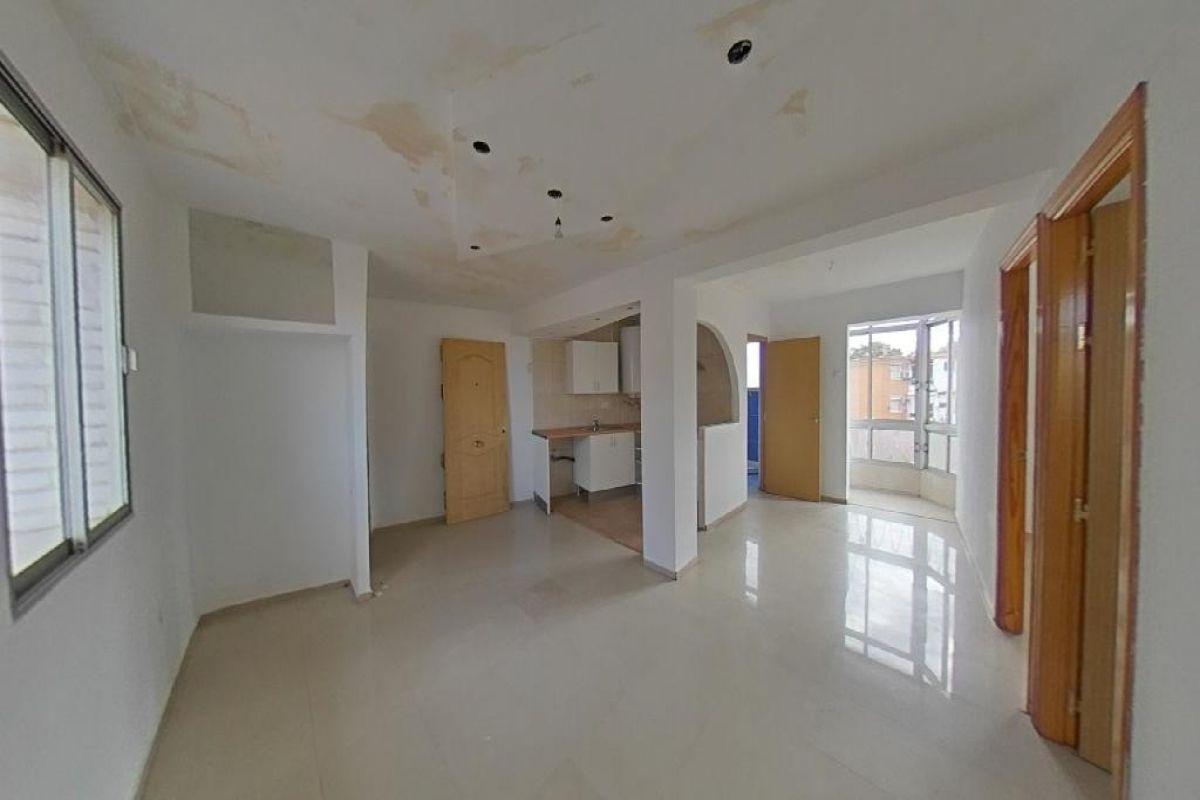 Piso en venta en Distrito Cerro-amate, Sevilla, Sevilla, Calle Argos., 26.500 €, 2 habitaciones, 1 baño, 50 m2