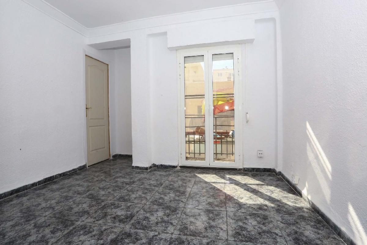 Piso en venta en Camins Al Grau, Valencia, Valencia, Calle Felipe Salvador, 79.500 €, 2 habitaciones, 1 baño, 55 m2