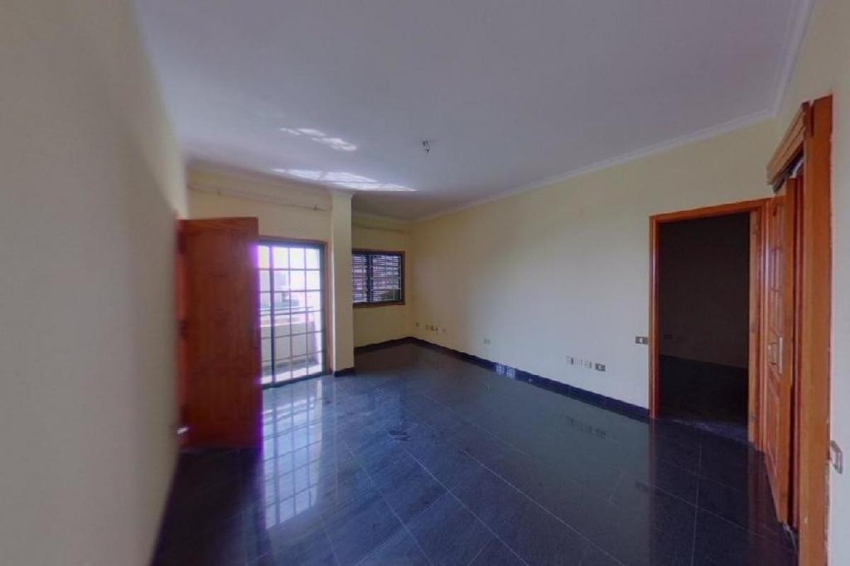 Piso en venta en San Cristobal de la Laguna, Santa Cruz de Tenerife, Calle San Nicolas, 342.000 €, 4 habitaciones, 2 baños, 763 m2