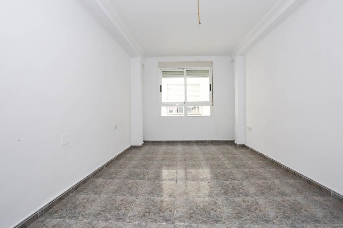 Piso en venta en Gandia, Valencia, Calle Primer de Maig, 53.000 €, 3 habitaciones, 1 baño, 100 m2