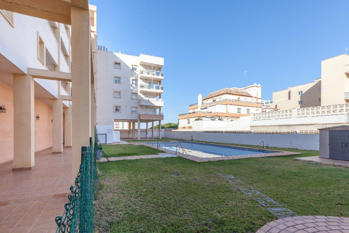 Piso en venta en Roquetas de Mar, Almería, Calle Sabinal, 138.000 €, 3 habitaciones, 1 baño, 100 m2