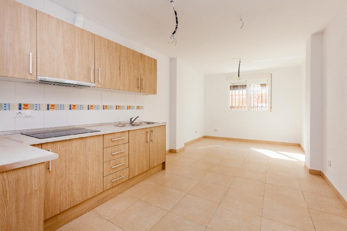 Piso en venta en Roquetas de Mar, Almería, Calle Sant Jose Obrero, 83.000 €, 2 habitaciones, 1 baño, 74 m2