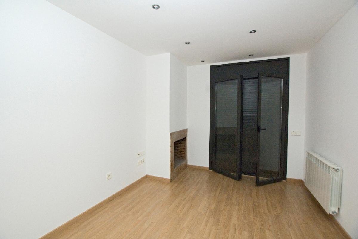 Piso en venta en Cal Rota, Berga, Barcelona, Calle Espunyola, 78.000 €, 2 habitaciones, 1 baño, 73 m2