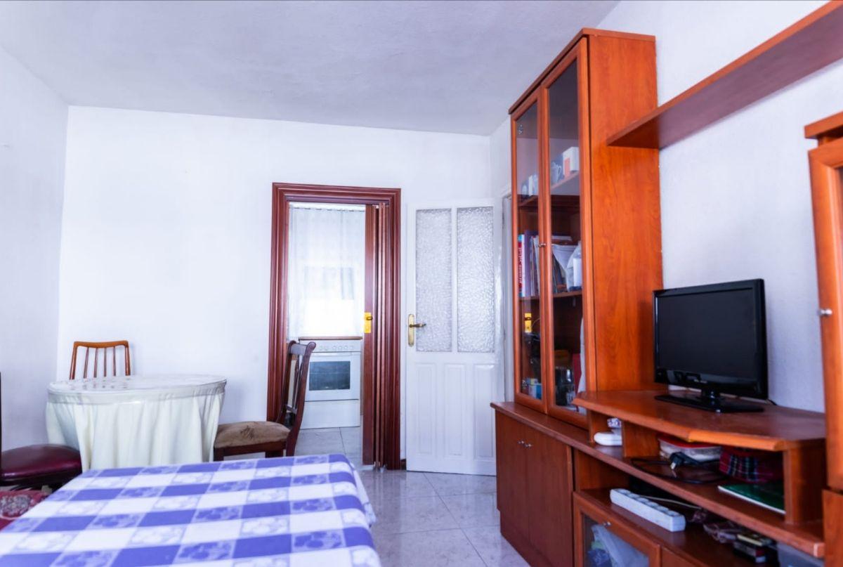 Piso en venta en Pajarillos, Valladolid, Valladolid, Calle Aguila, 37.000 €, 3 habitaciones, 56 m2