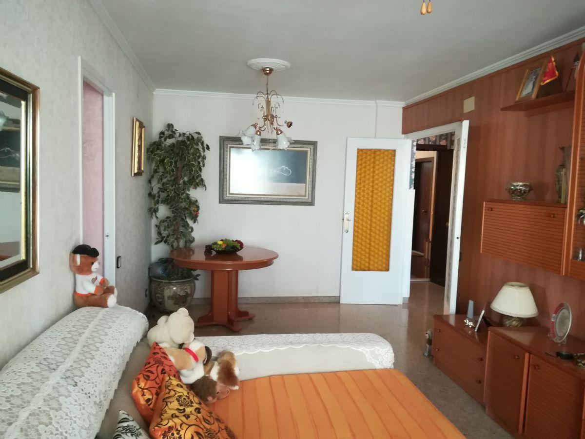Piso en venta en Viladecans, Barcelona, Calle Joan Maragall, 174.000 €, 4 habitaciones, 2 baños, 118 m2