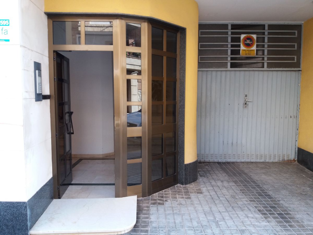 Piso en venta en Sueca, Valencia, Calle Roig de Corella, 110.000 €, 4 habitaciones, 2 baños, 131,5 m2
